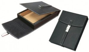 Florence 10 Count Travel Humidor Black Leather Travel Humidor w/ Chrome Buckle